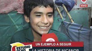 La emocionante historia del nene de 12 años que fundó una escuela en el fondo de una casa