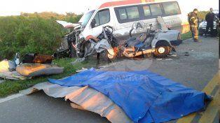 Murieron tres jóvenes en un violento choque en el sur provincial