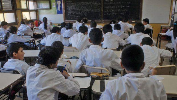 Polémica por una encuesta a alumnos sobre un golpe de Estado