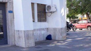 Un bulto extraño en una de las entradas al Concejo generó alarma entre los vecinos