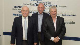 De izquierda a derecha: el gobernador Miguel Lifschitz