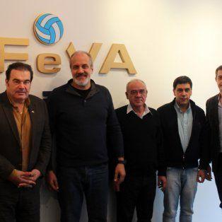 la seleccion argentina masculina de voley tiene nuevo entrenador