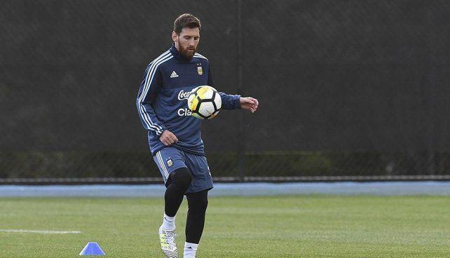 Messi llegó al país para iniciar su preparación rumbo a Rusia