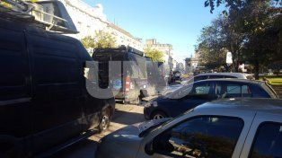 Operativo trapitos: la Policía Federal y la Municipalidad controlan cuidacoches