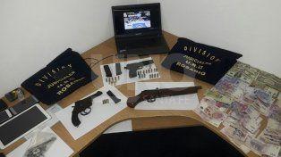 Nueve presos con drogas, armas secuestradas y dinero en efectivo