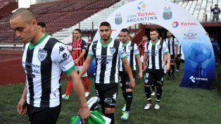 arsenal y cipolletti le dan continuidad a la copa argentina