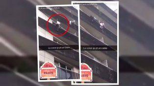 Trepó cuatro pisos de un edificio y salvó la vida de un bebé