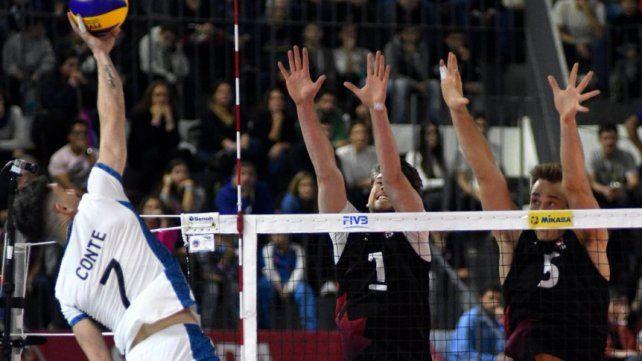Argentina no puede sacarse la espina en la Nations League