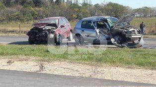 Dos automovilistas resultaron heridos en un violento choque