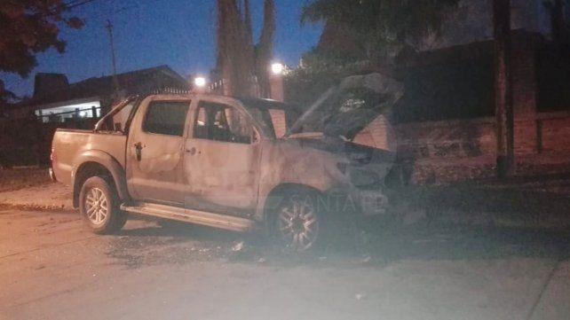 Los quemacoches hicieron de las suyas en barrio Guadalupe