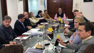 La oposición mostró preocupación después de la reunión con el intendente y espera a la EPE el martes