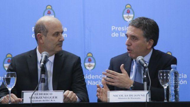 Anuncio. El jueves pasado Sturzenegger y Dujovne brinaron detalles del acuerdo.