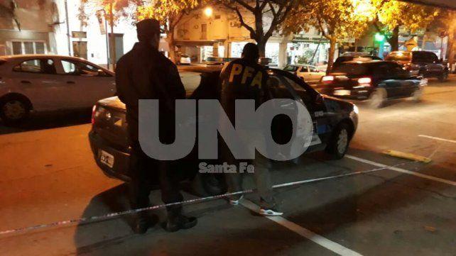 Automovilista eludió un control, chocó a un policía y la atraparon con drogas