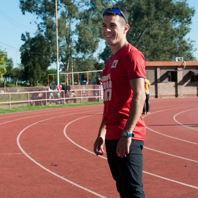 Eric Arnold, el santafesino que vende alfajores para competir en Brasil