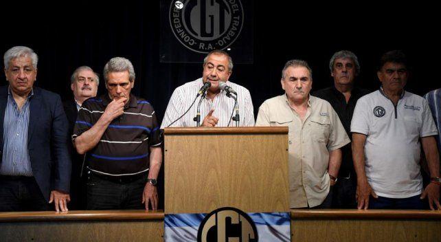 La oposición al paro de varios gremios deja a la CGT al borde de la fractura