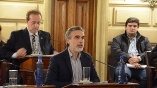 González: La decisión de Corral traerá un aumento de tasa o un juicio millonario