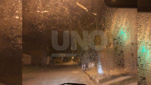 Tenía hielo en el vidrio y todos los autos estaban blancos esta mañana