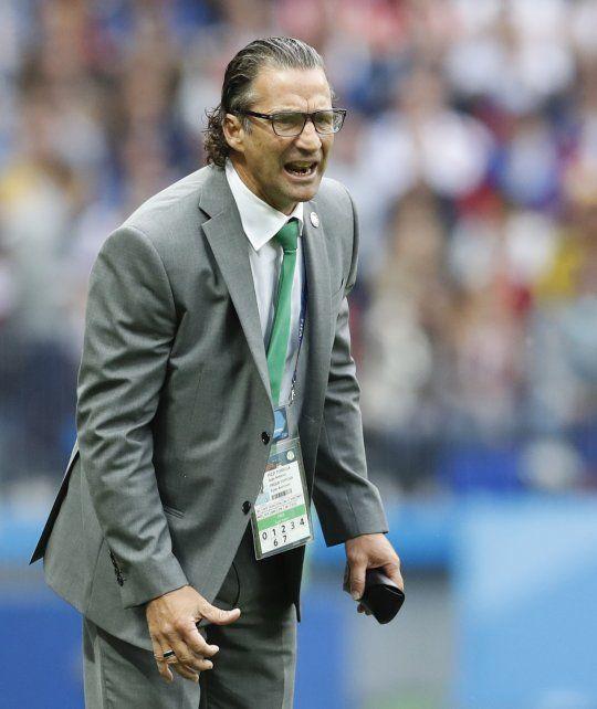 Así sufrió Pizzi, el primer santafesino en dirigir un Mundial, la derrota ante Rusia