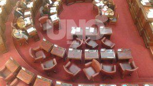 Con lo justo. La sesión en Diputados comenzó sin los legisladores del PJ, del PRO y sin los de Igualdad y Participación.