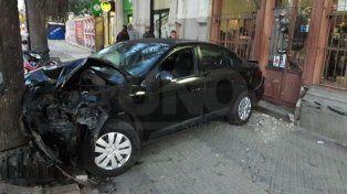 Dos impresionantes accidentes en la madrugada del viernes en la ciudad