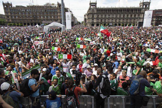 Los festejos del gol de Lozano causaron un sismo en la Ciudad de México