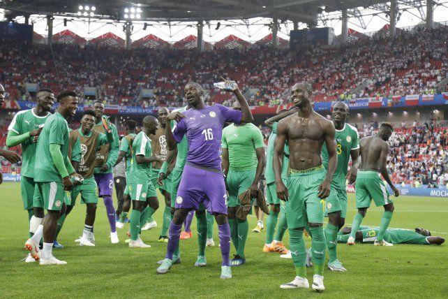 Senegal aprovechó todas las ventajas que le dio Polonia