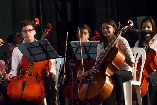 Con más de 250 artistas, la UNL celebra el centenario de la Reforma