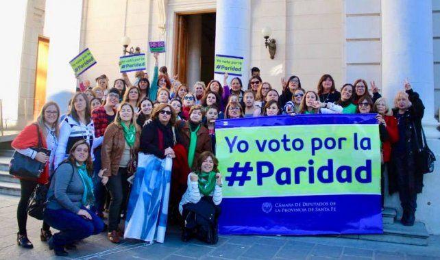 Paridad: el colectivo de mujeres espera una reunión con senadores santafesinos para hablar de igualdad