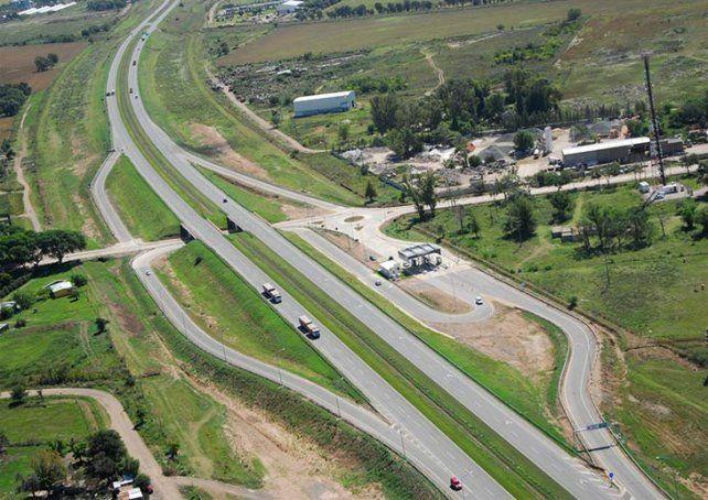 Autopista: la provincia instalará un sistema de control de tránsito inteligente