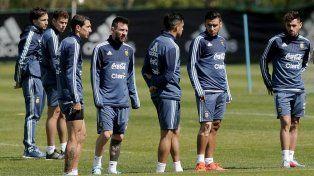 Argentina adelantó su entrenamiento para ver Nigeria-Islandia
