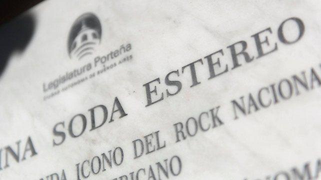 Grave error en una placa en homenaje a Soda Stereo