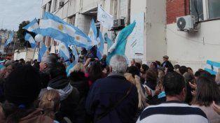 se manifestaron en apoyo a los objetores de conciencia del iturraspe y el cullen
