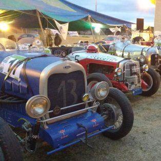 en esperanza se inauguro el museo del automovil y hoy se corre un rally de autos antiguos