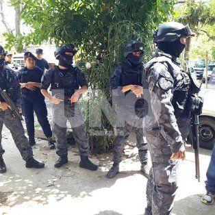 hirieron a policias, danaron patrulleros y los tres terminaron presos