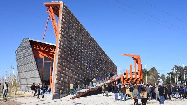 Inauguraron un innovador monumento por un nuevo aniversario del Grito de Alcorta