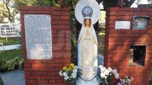 La Virgen vandalizada volvió a su lugar en la Costanera