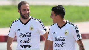 Cristian Pavón le ganaría la pulseada a Gonzalo Higuaín