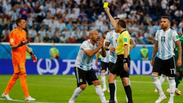 Qué jugadores argentinos deberán cuidarse de ser amonestados