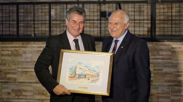 Lifschitz participó del 80° aniversario del Club Atlético Villa Dora de Santa Fe