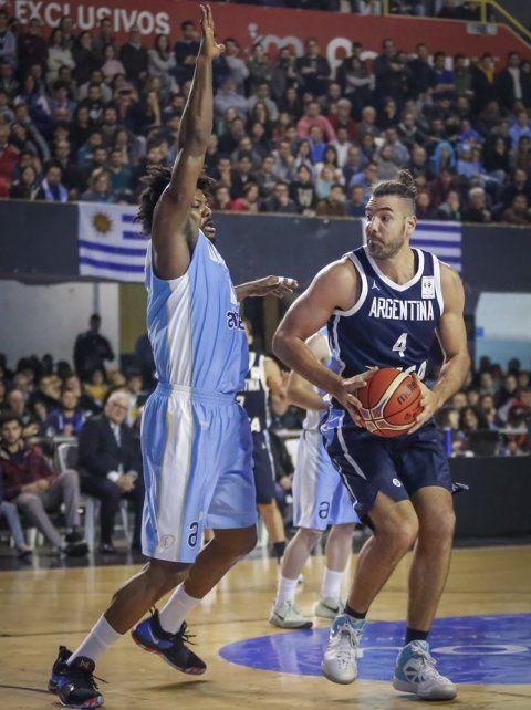 Argentina aplastó a Uruguay en el cierre de la tercera ventana FIBA