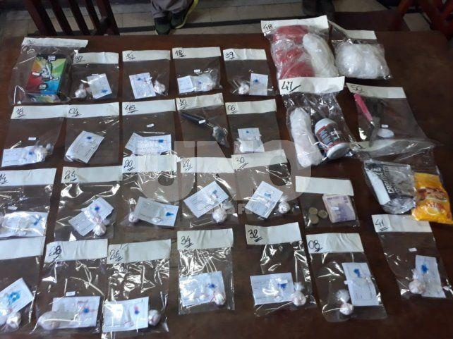 Violentos tiratiros detenidos con arma de guerra, balas y drogas