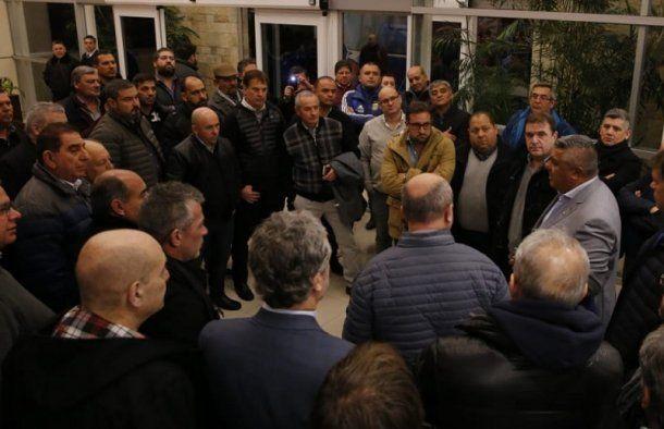 Tapia fue recibido por varios dirigentes en su llegada al país