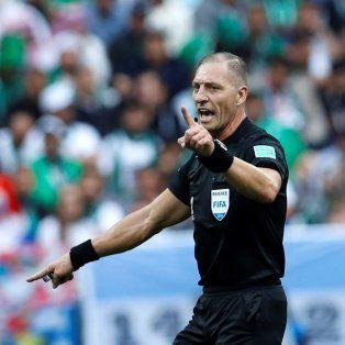 nestor pitana dirigira el duelo de cuartos entre urguay y francia