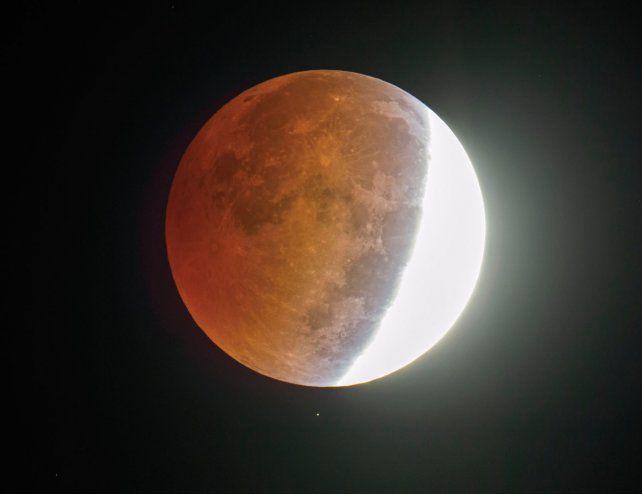 Cómo se verá en Santa Fe el eclipse total de Luna
