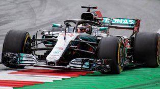 Mercedes marcó el camino en el inicio de los ensayos en Silverstone