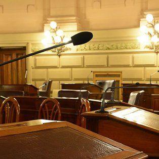 Vacío. En junio y lo que va de julio, los senadores solo bajaron una vez al recinto. Ahora empezó el receso invernal. Foto gentileza: Senado provincial.