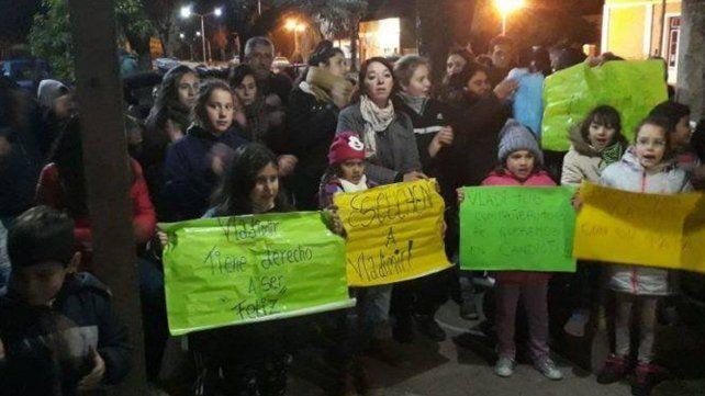 El pedido de restitución de un nene de ocho años a su padre moviliza a Candioti