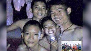La historia de los 12 chicos rescatados de la cueva en Tailandia