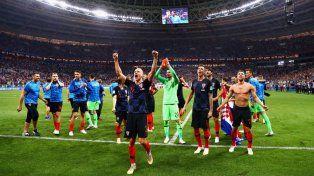 Croacia, primera selección que sobrevive a tres alargues