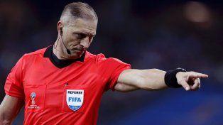Néstor Pitana dirigirá la final del Mundial entre Francia y Croacia